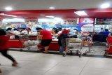 Pusat perbelanjaan Bandarlampung dipadati pengunjung