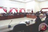 Karyawan PT BAP Unjuk Rasa ke DPRD Barsel