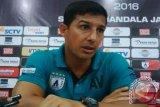 Persipura akhiri kerja sama dengan pelatih Angel Alvredo