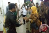 Gubernur sambut ibunda Presiden Jokowi di Makassar