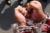 Dua pencuri bermodus jadi pemulung ditangkap polisi
