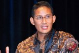 Sandiaga Uno ziarah ke kuburan massal korban tsunami Aceh