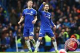 Fabregas memohon agar Hazard tetap di Chelsea