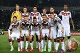 Jerman Sukses Gunduli Ceko