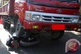 Pengendara motor tewas tertabrak truk tronton