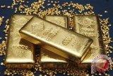 Emas berjangka meningkat didukung pelemahan greenback