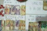 Berjudi Di Seberang Gedung DPRD Inhil, Enam Orang Diciduk Polisi