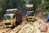 Jalan Malawaken-Benangin Rusak, Truk Lebihi Tonase Didesak Ditertibkan !!