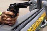 Pencuri senpi anggota polsek tewas usai baku tembak