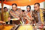 Wali Kota Jamu Menkop Kuliner Khas Makassar