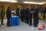 Gubernur Lukas Enembe lantik lima Direksi Bank Papua