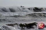 BMKG: Waspadai gelombang hingga enam meter