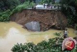 Pemprov Riau tetapkan status siaga darurat banjir dan longsor
