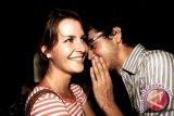 Studi: Laki-laki bergosip sama banyaknya seperti kaum perempuan