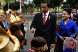 Iriana dan Anggota OASE Beri Pertanyaan Guru PAUD Riau