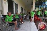Ratusan lansia di Kalteng terima bantuan dari Kemensos RI