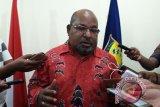 Gubernur Papua minta pejabat tidak main proyek