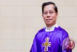 Paus Fransiskus Tunjuk Rolly Untu MSC Uskup Manado
