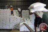Sumsel siapkan ratusan ton beras untuk bantuan bencana