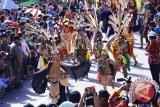 Ribuan peserta Festival Isen Mulang hangatkan Sampit