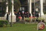 Hakim Menunda Melanjutkan Sidang Siti Aisyah ke Mahkamah Tinggi, karena JPU belum Siap