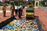 Polres Bengkalis Musnahkan Ratusan Miras Dan Petasan