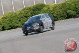 Menjajal Mitsubishi Small MPV