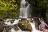Basarnas cari empat wisatawan hilang di air terjun Garut