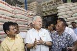 Pemerintah menjamin pasokan dan stabilitas harga bahan pokok