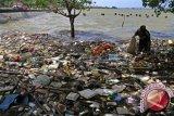 Gubernur imbau kabupaten/kota  buat perda sampah