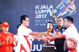 Menpora Malaysia Tarik Buku Merah Putih Terbalik