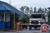 KKB Sandera Karyawan Freeport dan Merusak Jalan
