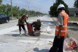 Pekanbaru rawat 1 km jalan dengan dana Rp1,5 miliar