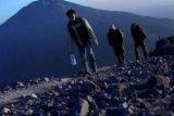 Tim Balai Taman Nasional Gunung Rinjani Temukan Pendaki Yang Tersesat