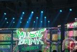 Park Bo Gum Pesonakan Penonton Nyanyikan Lagu Chrisye