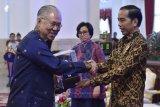 Presiden Beri Penghargaan 5 Entitas Berhasil Pertahankan WTP