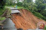 BPBD cari tujuh korban hilang akibat longsor di Bengkulu Tengah