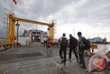 ASDP Tingkatkan Kemampuan Dermaga Pelabuhan Kayangan-poto Tano