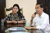 Jokowi ajak putri dan menantu nonton