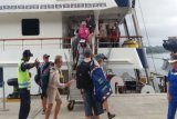 Kapal pesiar MV Coral Discoverer singgah di Pelabuhan Jayapura