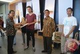 Pirnas latih desainer rotan dari tiga negara
