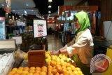 Foodmart Palembang datangkan nanas madu Lampung
