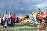 Sambut Natal, Gunung Mas Gelar Parade Lilin Natal