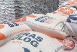 Bulog pasarkan beras kemasan kecil berukuran 200 gram