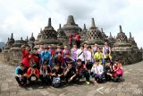 Atlet Mancanegara Peserta Superliga Junior Kunjungi Borobudur