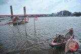 Dinas lingkungan hidup Palembang periksa air musi