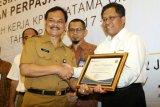 Pertamina Cilacap terima penghargaan dari KPP Pratama
