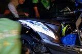 Driver Gojek dan Warga Tabrakan Adu Kambing di Jalan Durian