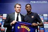 Barcelona siap melepas Nelson Semedo