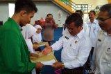 KPN Agam beri beasiswa anak anggota yang berprestasi
